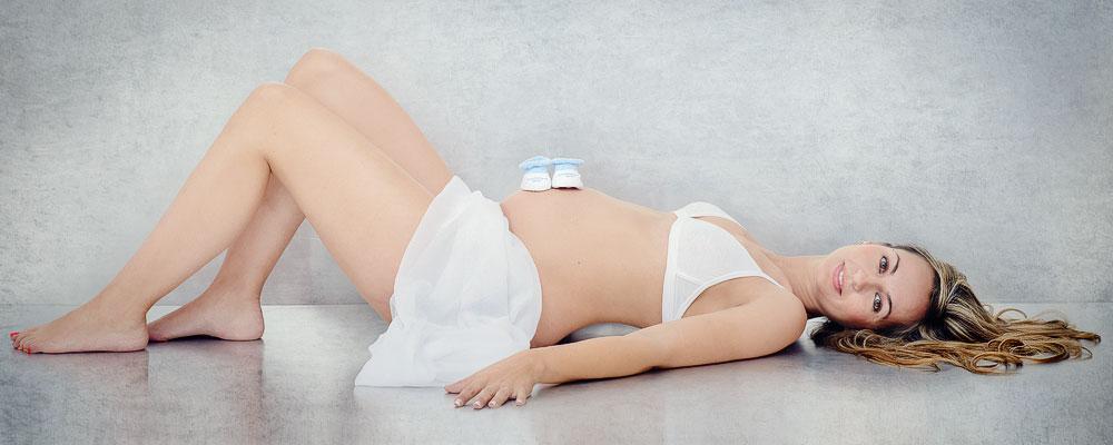 SLIDE-jose-luis-lagares-fotografo-de-embarazadas-en-cornella-barcelona-y-lloret-de-mar-girona